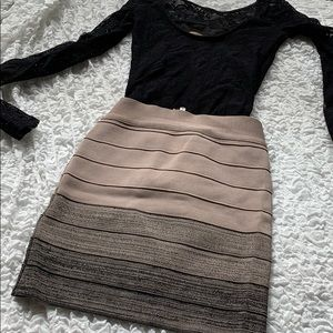 Guess- Size S